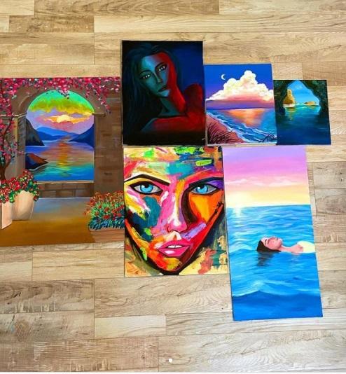 जाह्नवी कपूर की पेंटिंग्स