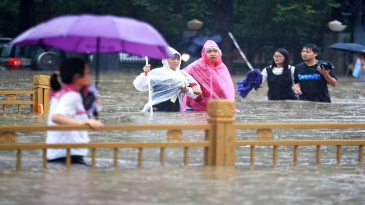 चीन में भयंकर बाढ़ की तस्वीरें