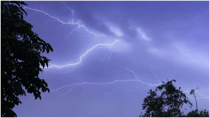 आकाशीय बिजली से बचने के लिए क्या करना चाहिए और क्या नहीं, जानिए