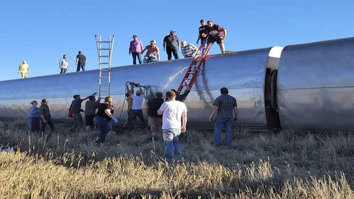train derails in america Montana अमेरिका: मोंटाना में ट्रेन पटरी से उतरी, तीन की मौत तथा कई लोग घायल