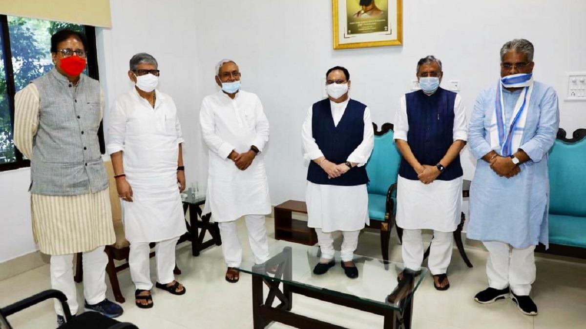 JP Nadda Nitish Kumar meeting on BJP JDU seat distribution Bihar election ।  BJP अध्यक्ष जेपी नड्डा और बिहार के मुख्यमंत्री नीतीश कुमार के बीच मुलाकात,  सीट बंटवारे पर चर्चा - India