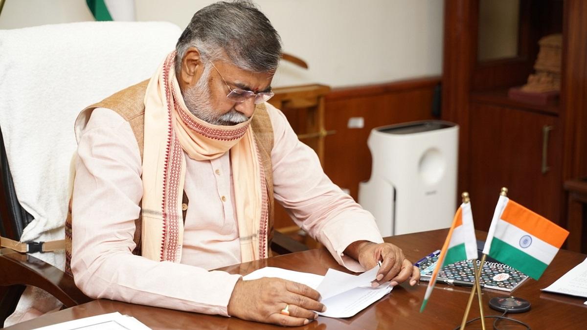 Khaskhabar/केंद्रीय मंत्री प्रह्लाद पटेल ने सोमवार को कहा कि पर्यटन मंत्रालय कोविड के बाद की स्थिति में भारत को वैश्विक स्तर पर आयुर्वेद और देखभाल केंद्र के