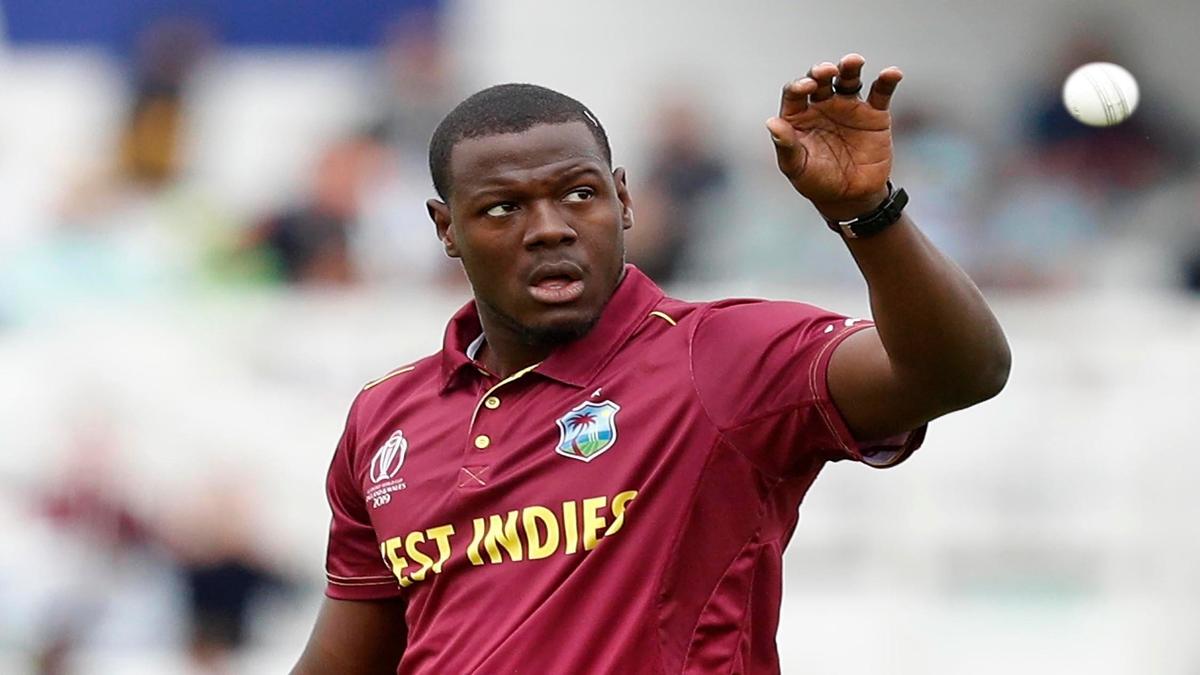 West Indies all-rounder Carlos Brathwaite have signed up with Sydney Sixers  - कार्लोस ब्रैथवेट ने बिग बैश लीग 10 के लिए सिडनी सिक्सर्स के साथ किया करार  - India TV Hindi News