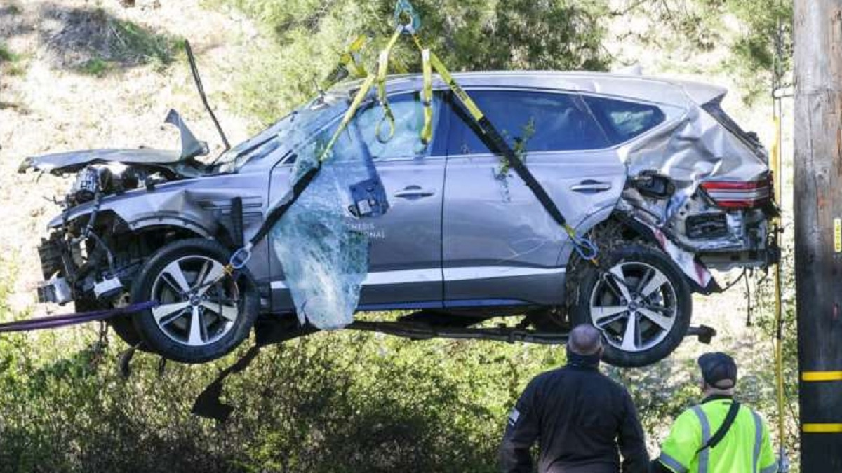 Tiger Woods was driving at a speed of over 140km/h at the time of the  accident - दुर्घटना के समय 140km/h से अधिक की रफ्तार से गाड़ी चला रहे थे  टाइगर वुड्स -