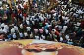 People reached a large number in Rajaji Hall to give...- India TV Hindi