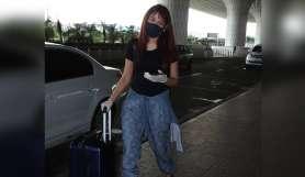 mahira sharma mumbai airport- India TV Hindi
