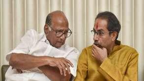 Sharad Pawar holds meeting with Uddhav Thackeray at Matoshree- India TV Hindi