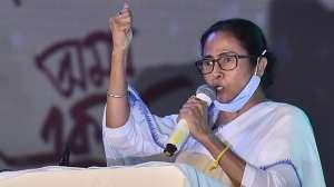 PM मोदी मतदाताओं को गुमराह करने के लिए झूठ का सहारा ले रहे हैं: ममता बनर्जी- India TV Hindi