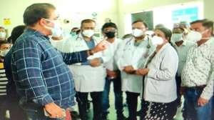 गहलोत सरकार के मंत्री प्रताप सिंह खाचरियावास महिला डॉक्टर पर जमकर बरसे, कहा- फोन क्यों नहीं उठाते आप- India TV Hindi