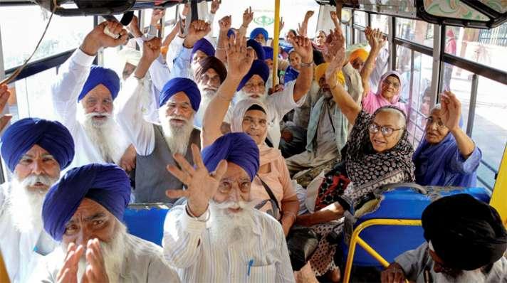 Sikh Jatha arrives in Pakistan to celebrate Baisakhi - India TV Hindi News