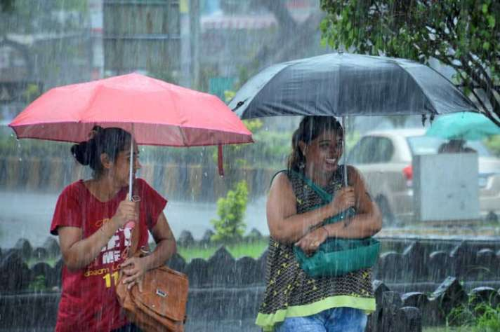 उत्तर गुजरात के हिस्सों में सोमवार को हो सकती है भारी बारिश, मौसम विभाग ने जारी किया अलर्ट - India TV Hindi News