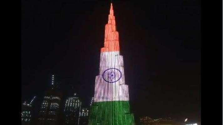 वीडियो : स्वतंत्रता दिवस पर दुबई के बुर्जखलीफा की सलामी, दुनिया की सबसे ऊंची इमारत पर लहराया तिरंगा - India TV Hindi