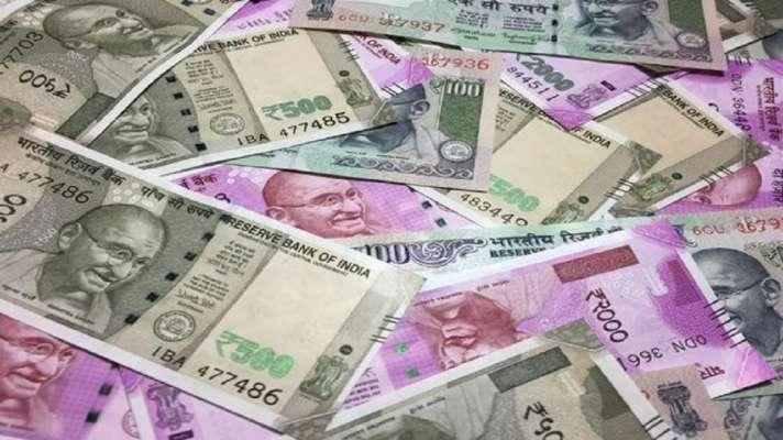know how Labourer daughter account gets Rs 10 crore| पिता कर रहा मजदूरी लेकिन बेटी के खाते में पड़े हैं करीब 10 करोड़ रुपये, जानिए क्या है पूरा मामला - India TV Hindi News