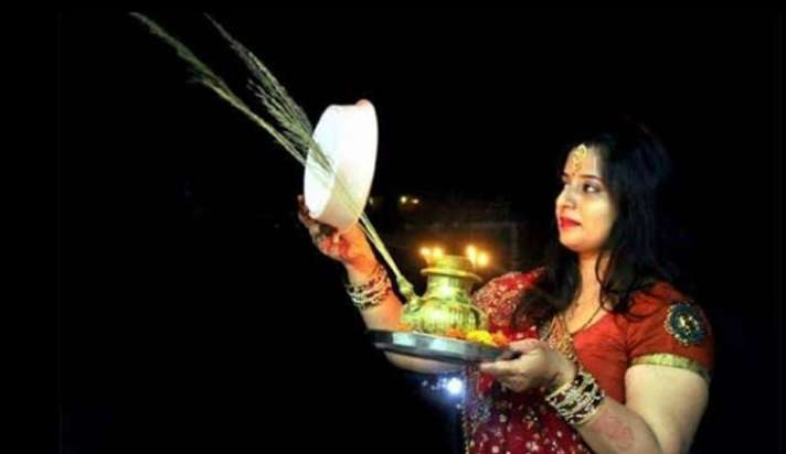 Karwa Chauth Vrat 2020: The Hindu festival is celebrated with great enthusiasm among the married couple. Karwa Chauth Vrat story.
