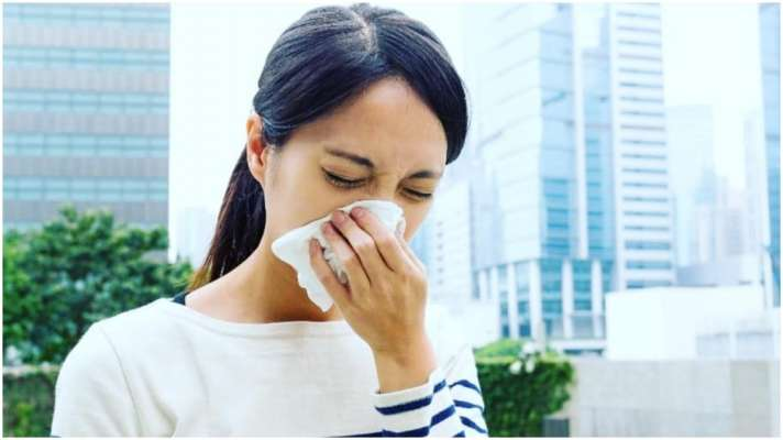 if you are troubled by cold and cough in changing weather then follow 7  home remedies you will get relief- बदलते मैसम में सर्दी-जुकाम से हैं परेशान  तो अपनाएं 7 घरेलू नुस्खे,