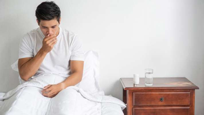 Covid 19 home isolation new guidelines in hindi know how to managing fever cough cold and uses of remdesivir: कोविड 19 की नई गाइडलाइन्स हुई जारी, जानें कोरोना के मरीज होम आइसोलेशन