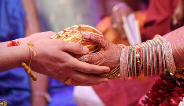 कर्फ्यू में कैसे करें दिल्ली के अंदर शादी, ये है तरीका - India TV Hindi News
