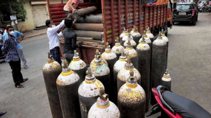 UP CM Yogi Adityanath to set up 10 oxygen plants in week for unabated supply all hospitals । UP: योगी ने अस्पतालों में निर्बाध ऑक्सीजन आपूर्ति को लेकर बनाया खास प्लान -