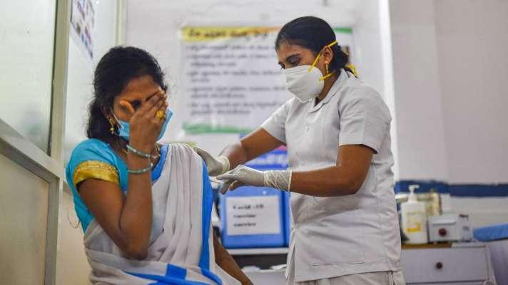 Corona vaccination to start in 11 more districts of UP from Monday - कल से उत्तर प्रदेश के 11 और जिलों में होगा कोरोना वैक्सीनेशन - India TV Hindi News