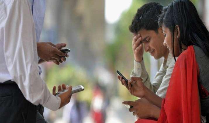 Impact: दिल्ली में 15 फीसदी तक कम हुआ कॉल ड्रॉप, टेलीकॉम कंपनियों ने देशभर में लगाए 22,279 नए टावर- India TV Paisa
