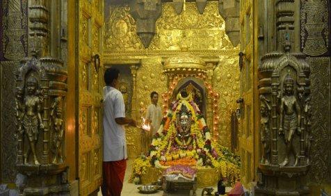 Blessings in Waiting: गोल्ड मोनेटाइजेशन स्कीम पर श्रद्धालुओं की भावना भारी, सोना पिघलाने से हिचक रहे मंदिर- India TV Paisa