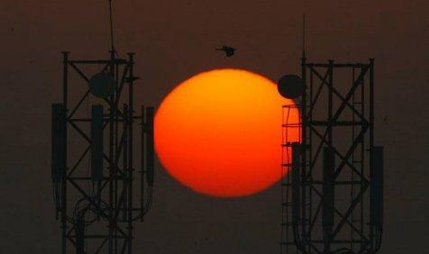 टेलीकॉम कंपनियों को बड़ी राहत, ट्राई ने कहा सीमा बदलने पर स्पेक्ट्रम वापस नहीं लिए जाएं- India TV Paisa