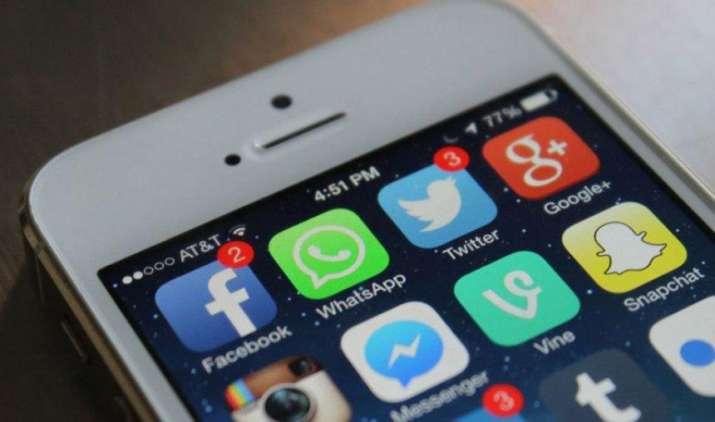 अब बिना इंटरनेट के भी देख सकेंगे Facebook वीडियो, कंपनी ने शुरू किया ऑफलाइन फीचर- India TV Paisa