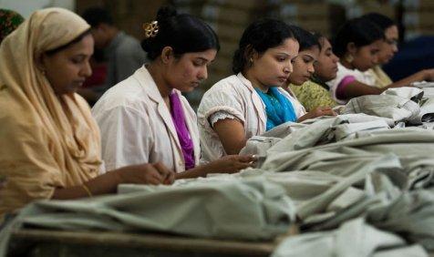 FY16 में कपड़ा निर्यात लक्ष्य से चूका भारत, प्राथमिकता क्षेत्र में आने के लिए वित्त मंत्रालय से किया संपर्क- India TV Paisa