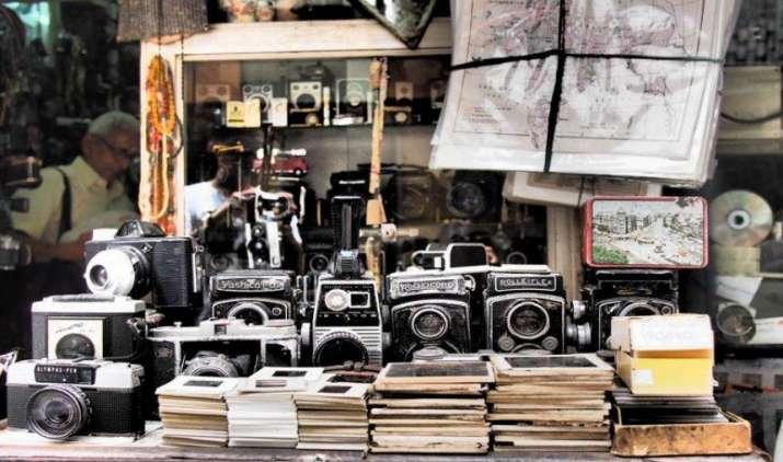 Survey Unveiled: पुरानी चीजें जमा करने का देश में बढ़ा चलन, भारतीय घरों में पड़ा है 78,300 करोड़ रुपए का बेकार सामान- India TV Paisa
