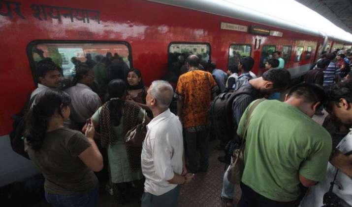 RAIL FARE HIKE: राजधानी समेत इन Trains का बढ़ा किराया, नए नियम का असर- India TV Paisa