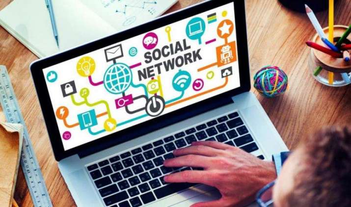 Social Media के जरिए कर सकते हैं लाखों की कमाई, नहीं इन्वेस्ट करना होगा एक भी पैसा- India TV Paisa