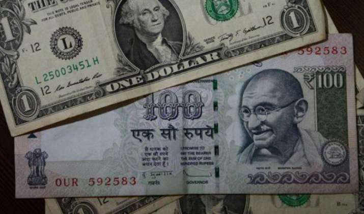 एक अमेरिकी डॉलर के मुकाबले भारतीय रुपया बुधवार को 1 पैसा कमजोर होकर 64.34 पर खुला- India TV Paisa