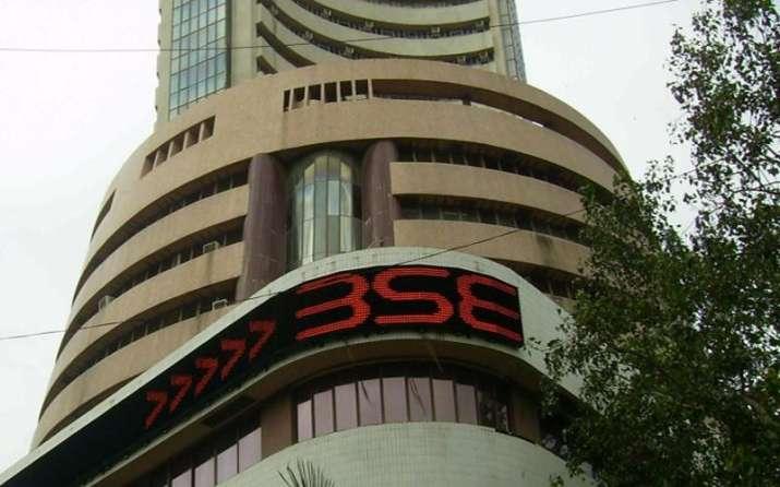 सरकारी कर्मचारियों के पेंशन फंड का 50 प्रतिशत शेयरों में निवेश किया जाए: पीएफआरडीए- India TV Paisa