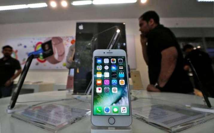 भारत में मैन्युफैक्चरिंग यूनिट लगाने में Apple की राह होगी आसान, सरकार शुल्क छूट की मांग पर कर रही है विचार- India TV Paisa