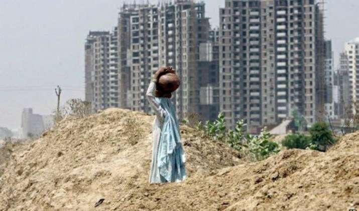 शहरी गरीबों के घर का किराया देगी मोदी सरकार, आ रही है 2700 करोड़ रुपए की नई योजना- India TV Paisa
