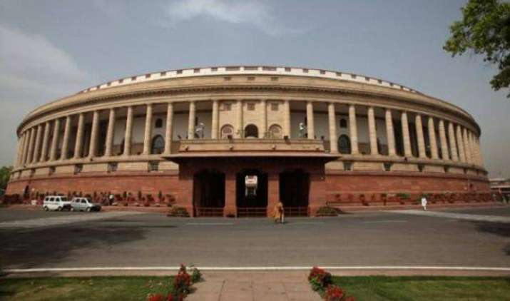 लोकसभा में पास हुआ GST संशोधन बिल, जेटली ने कहा उपयोग के आधार पर तय होगी टैक्स की दर- India TV Paisa