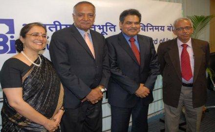 ब्रोकरों व क्लियरिंग सदस्यों को सेबी देगा एकल लाइसेंस, अब डिजिटल वॉलेट से खरीद सकेंगे म्यूचुअल फंड- India TV Paisa