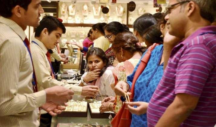 #ModiGovernment3Saal: सोने से रूठी 'लक्ष्मी', जुलाई तक हो सकता है 1100 रुपए सस्ता- India TV Paisa