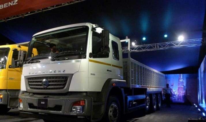 डेमलर ने BSIV मानक वाले भारतबेंज ट्रकों की नई श्रृंखला पेश की, इनका रखरखाव है किफायती- India TV Paisa