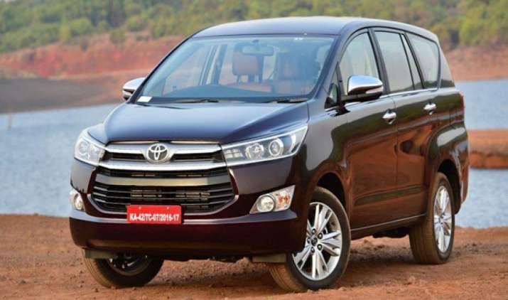 Toyota की फॉर्च्यूनर और इनोवा हुईं महंगी, कंपनी ने 2 प्रतिशत तक बढ़ाई कीमतें- India TV Paisa