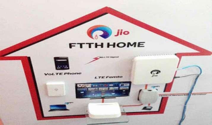 Reliance Jio ने फिर की टेलीकॉम इंडस्ट्री को हिलाने की तैयारी, इन शहरों में शुरू हुआ JioFiber का 'Preview Offer'- India TV Paisa