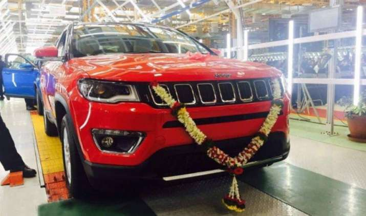 फिएट ने पेश की अपनी पहली मेड-इन-इंडिया SUV जीप कंपास, हुंडई Tuscon और Honda CR-V को देगी टक्कर- India TV Paisa