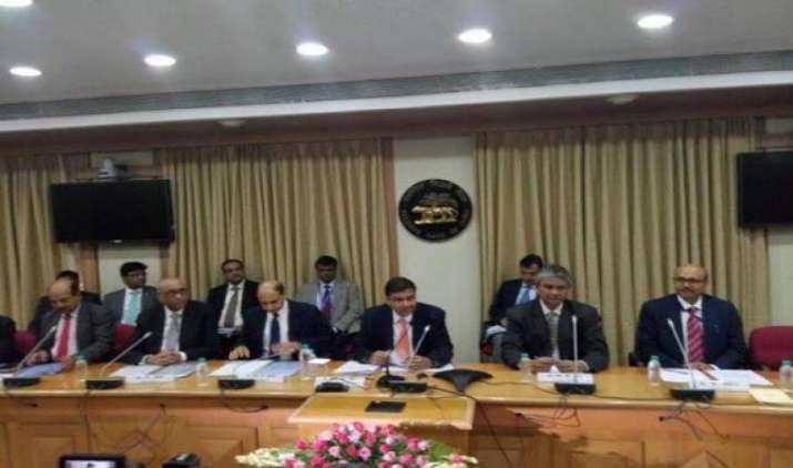 RBI की मौद्रिक नीति समिति ने वित्त मंत्रालय के चर्चा के अनुरोध को ठुकराया, अपनी स्वायत्तता को रखा बरकरार- India TV Paisa