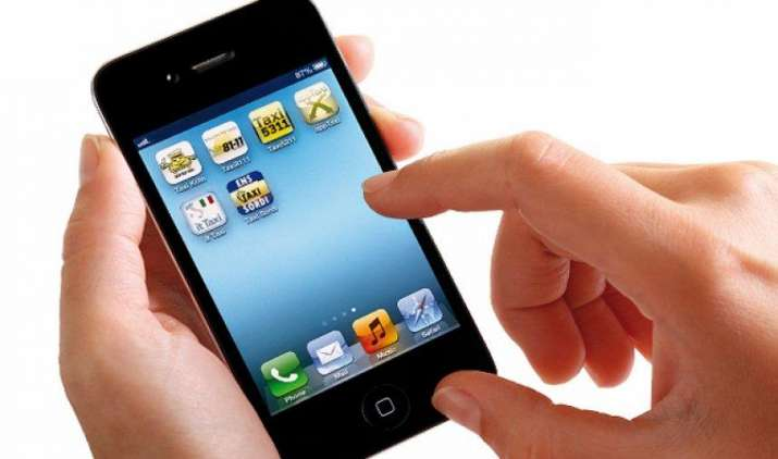 मोबाइल से घर बैठे बुलाइए प्लंबर, कारपेंटर और इलेक्ट्रीशियन, टॉप्स ग्रुप ने लॉन्च की चीप एप- India TV Paisa