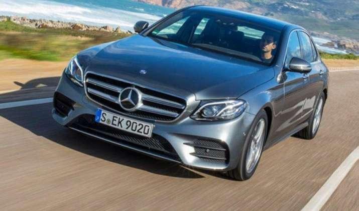 Mercedes Benz आज भारतीय बाजार में पेश करेगी नई कार E220d, इस कार में होगा सबकुछ खास- India TV Paisa