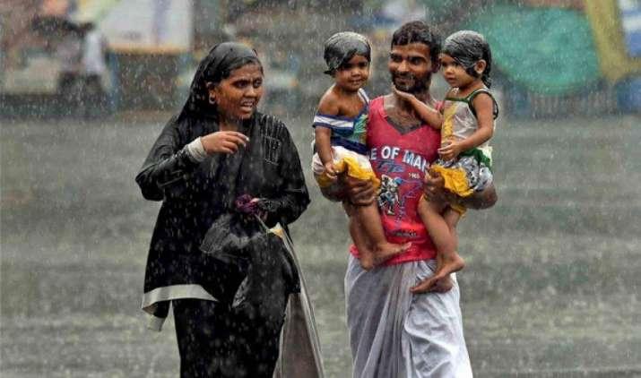 Monsoon2017: 48 घंटे में उत्तर प्रदेश पहुंचेगा मानसून, उत्तराखंड समेत इन इलाकों में भारी बारिश का अनुमान- India TV Paisa