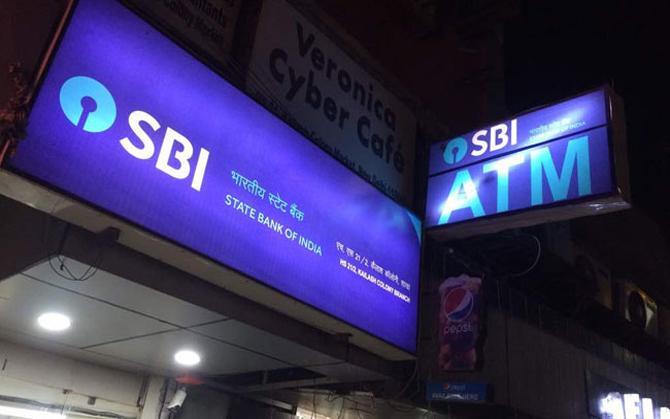 SBI ने पेंशनर्स को दी चेतावनी, 9 दिन में जमा नहीं कराया यह दस्तावेज तो रोक देंगे पेंशन- India TV Paisa