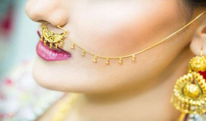 सोना या ज्वैलरी खरीद पर पैन कार्ड का नियम सुधार के साथ फिर होगा लागू, राजस्व सचिव ने दिए संकेत- India TV Paisa