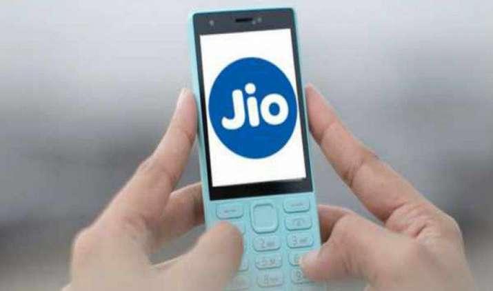 153 रुपए के अनलिमिटेड प्लान के साथ लॉन्च हुआ Jioफोन, एयरटेल और आइडिया के शेयर फिसले- India TV Paisa