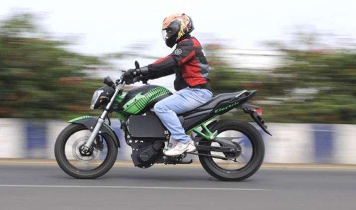 TVS मोटर लॉन्च करेगी इलेक्ट्रिक और हाइब्रिड मॉडल, अगले साल की शुरुआत में शुरू होगी बिक्री- India TV Paisa